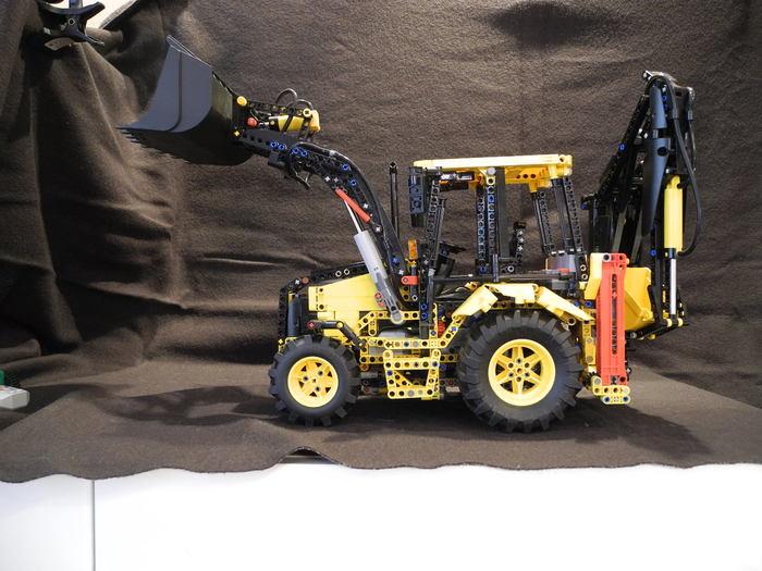 Лего Экскаватор-погрузчик Volvo BL61 (самоделка) LEGO, LEGO technic, Volvo, Строительная техника, Видео, Длиннопост