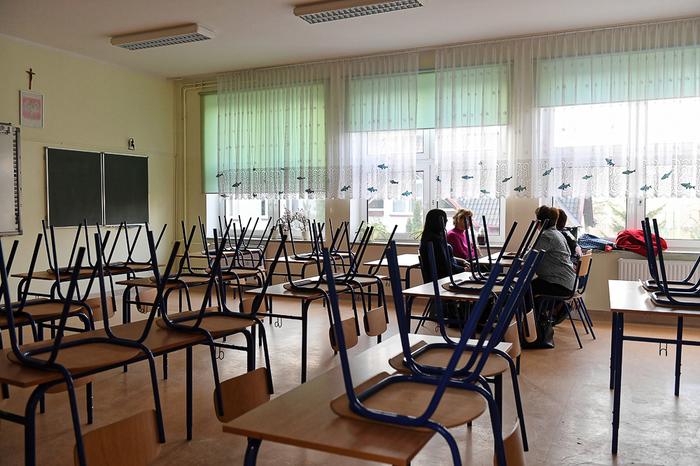 В Польше началась бессрочная забастовка учителей Негатив, Общество, Польша, Учитель, Забастовка, Профсоюз, Образование, Rtvi, Длиннопост