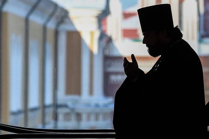 Российский священник полтора года совращал 12-летнюю девочку. Отправлял ей детское порно Новости, Россия, Негатив, Священник, Дети, Вологодская область, Следственный комитет