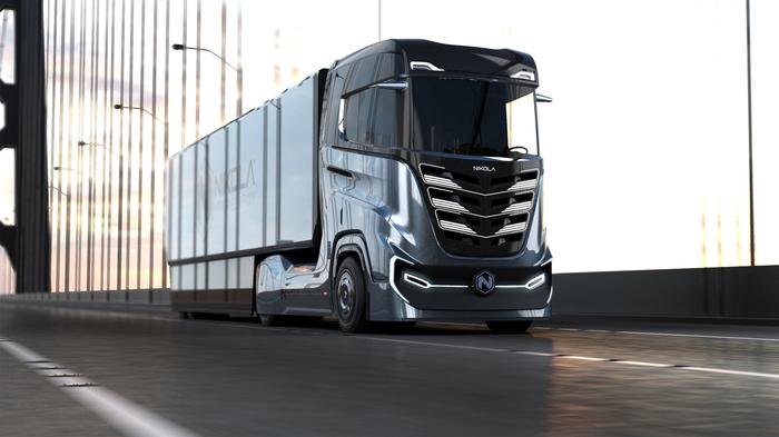 В Европе начнут производить грузовики, внешне похожие на Tesla Semi