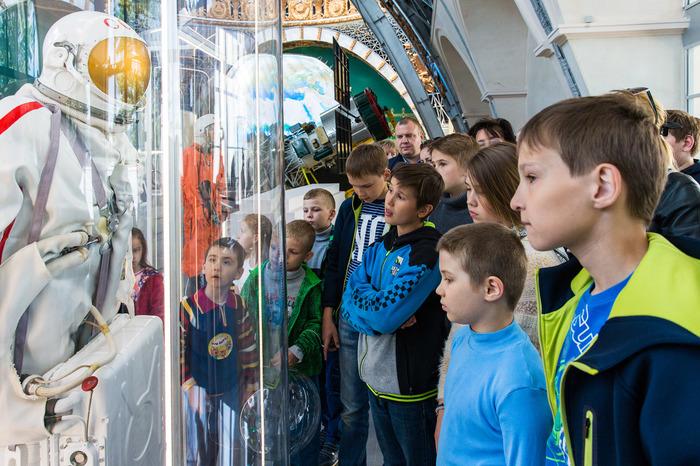 """Ко дню космонавтики немного про павильон """"Космос"""" на ВДНХ. Космос, День космонавтики, Вднх, Павильон космос, Длиннопост"""
