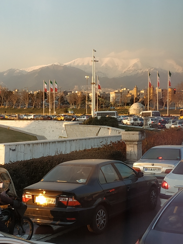 Кратенько о Тегеране. Мегаполис - Человейник. Иран, Видео, Путешествия, Туризм, Обзор, Тегеран, Отзыв, Ислам, Длиннопост