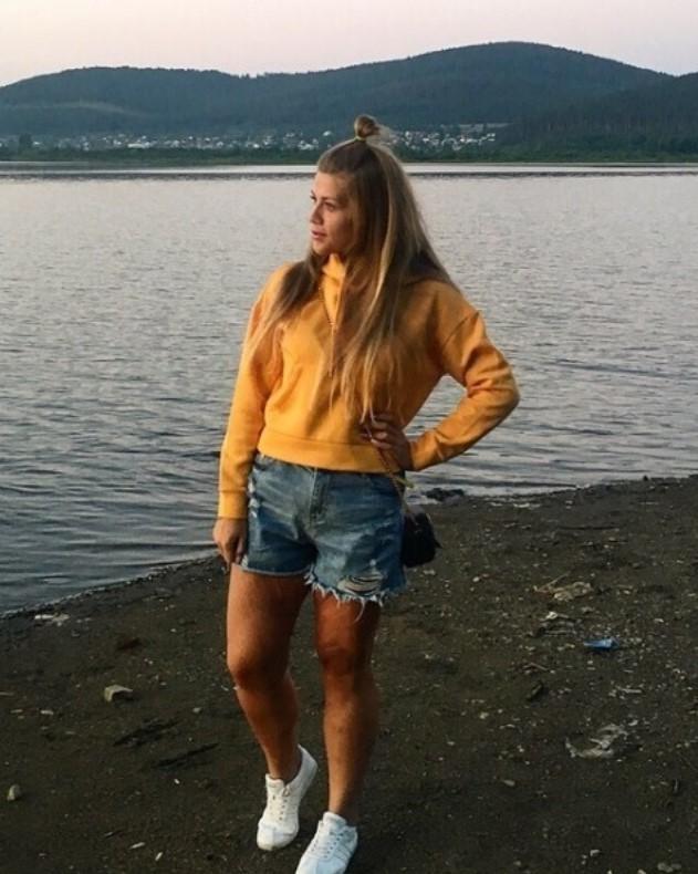 Девушка из Златоуста, которая похудела на 100 кг, возобновила пробежки после операции по удалению лишней кожи Похудение, Челябинская область, Лишний вес, Фитнес, Длиннопост