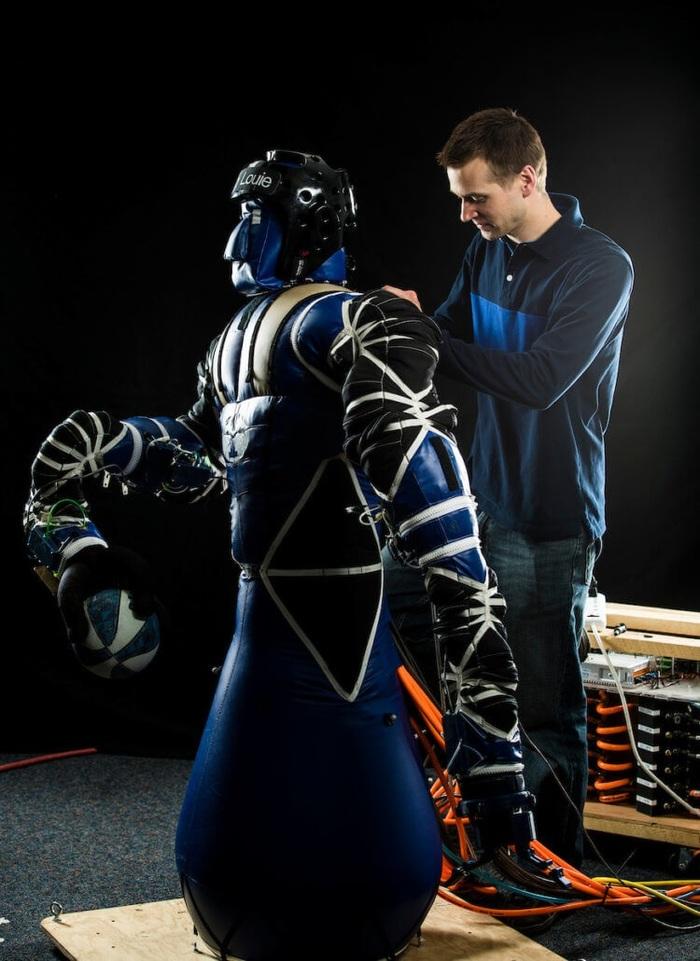 NASA финансирует разработку надувного робота для космоса NASA, Ieee Spectrum, King Louie, Робототехника, Космос, Видео, Длиннопост