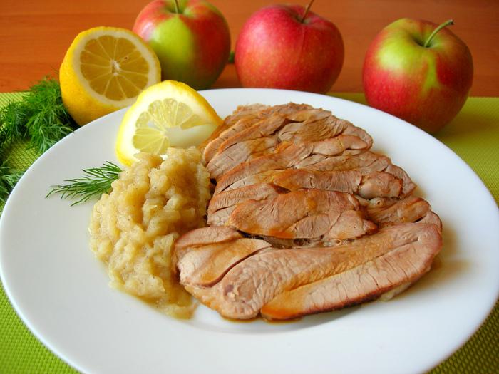 Запеченный стейк индейки с яблочным соусом Рецепт, Еда, Кулинария, Маринад для мяса, Соус, Яблочный соус, Индейка, Видео, Длиннопост
