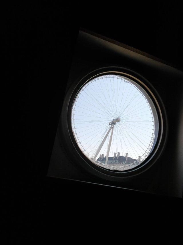 Окно в туалете и Лондонское колесо обозрения Колесо обозрения, Лондон, Окно, Лондонский глаз