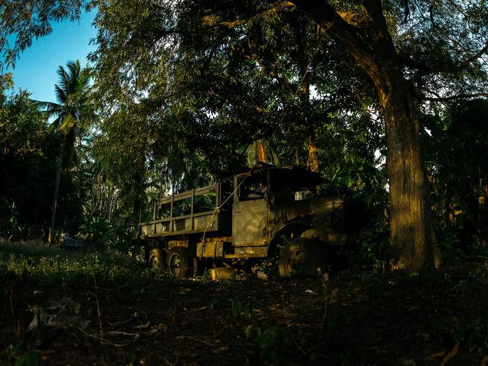 Заброшенные грузовики в джунглях Ночь, Грузовик, Джунгли, Остров, Абандон, Abandoned, Заброшенное, Длиннопост