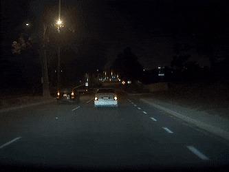 Водитель выкинул окурок из машины