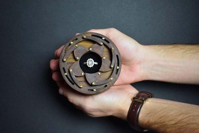 Парень создал сложную шкатулку для помолвочного кольца. Reddit, Шкатулка, Сюрприз, Кольцо, Гифка, Длиннопост