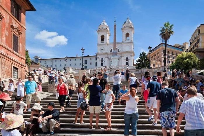 В Италию за 2018 год прибыло 800 тысяч российских туристов, в 2019 году рост турпотока достиг 30% Италия, Туризм, Россия
