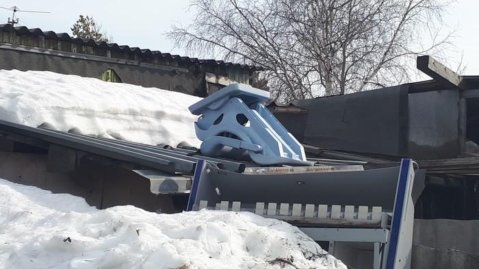 Самый грустный стул Снег, Грусть, Лицо, Одушевленные предметы, Ноябрьск