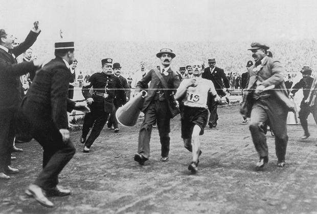 Больше ста лет назад Россия на две недели опоздала на Олимпиаду. И завоевала первое золото. Олимпиада, Длиннопост, Российская империя, История