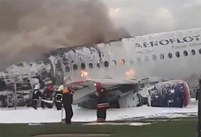 SU 1492 Шереметьево, Авиакатастрофа, Самолет, Sukhoi Superjet 100, Пожар