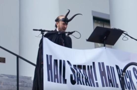"""В США официально признан """"Сатанинский храм"""". Религия, США, Сатанизм, Во славу Сатане"""