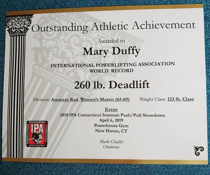 Мэри Даффи (Mary Duffy) чемпионка по пауэрлифтингу в категории 65+ Спорт, Спортзал, Пауэрлифтинг, Штанга, Бабушка, Старость, Тренировка, Бодибилдинг, Видео, Длиннопост