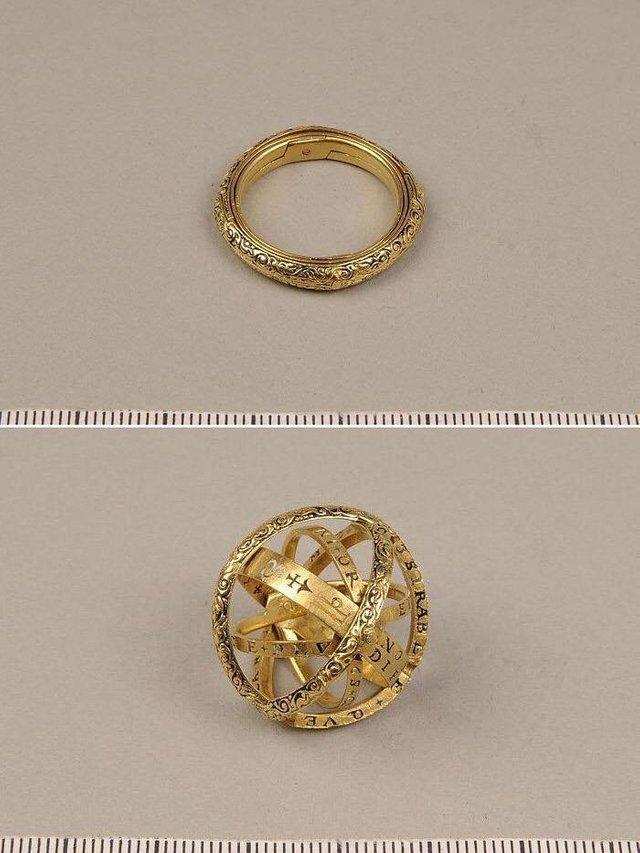 Кольцо 16 века, которое превращается в астрономическую сферу