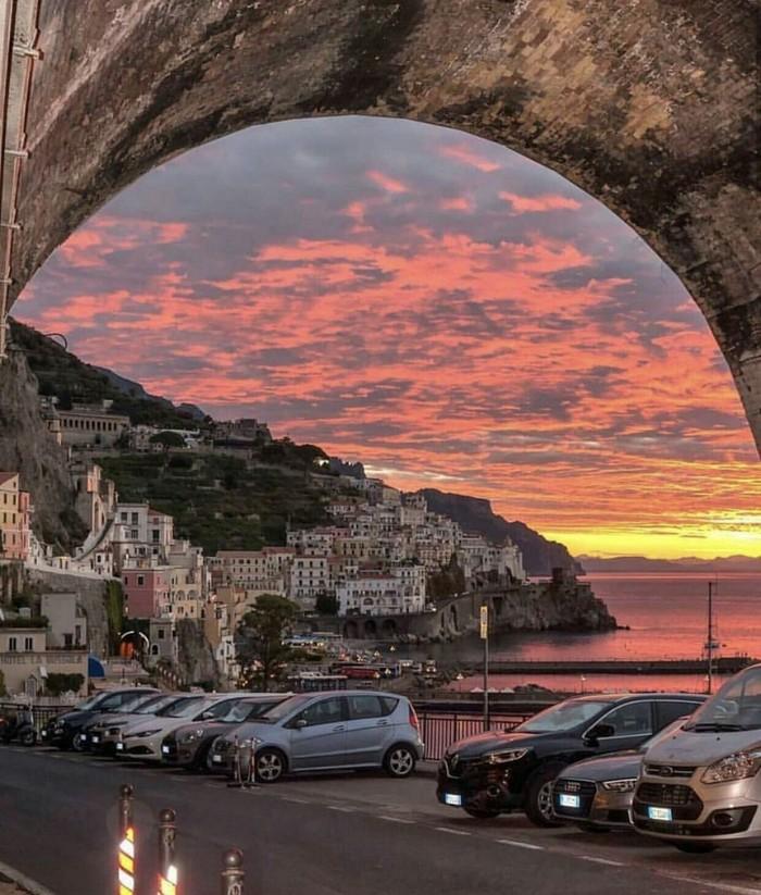 Закат в Амальфи, Италия