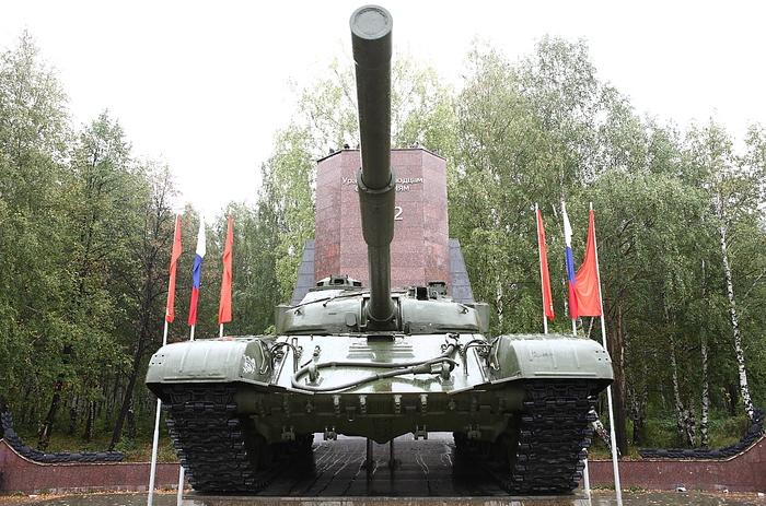 Т-72А - монумент в Нижнем Тагиле Танки, т-72а, Нижний Тагил, Памятник, Длиннопост
