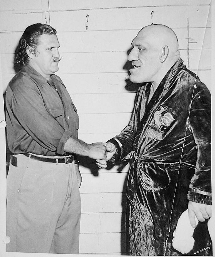 Cоздатель популярного мультфильма «Шрэк» Уильям Стейг срисовал своего героя с профессионального борца Мориса Тийе
