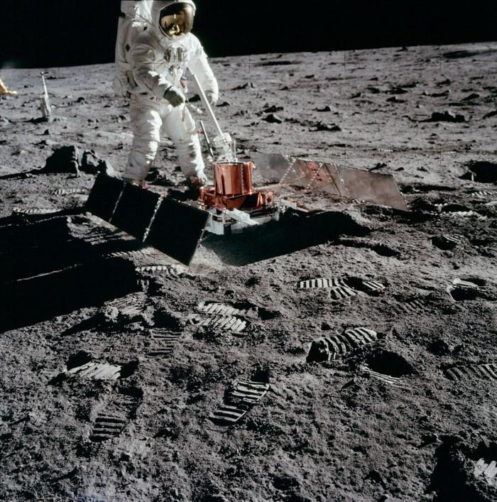 Лунотрясения указали на продолжающееся сжатие Луны Космос, Луна, Сжатие, Аполлон, Шкала Рихтера, Длиннопост