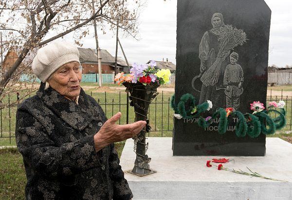 Более полувека жительница Бурятии возводит мемориальный комплекс героям войны Память, Человек, Длиннопост