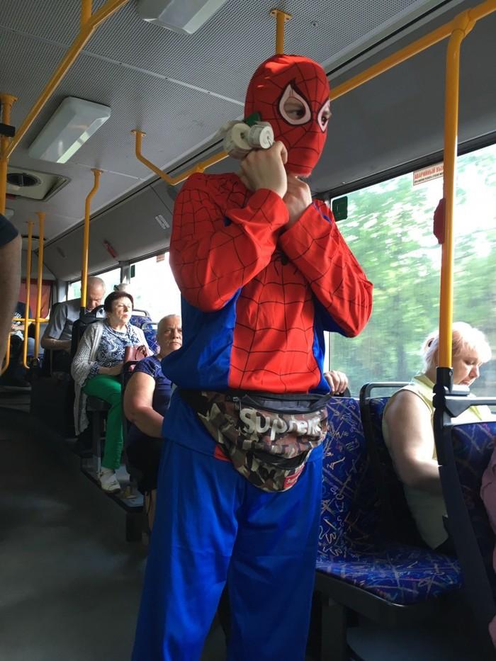 Этому городу нужен герой Калининград, Джонни Синс, Автобус, Длиннопост