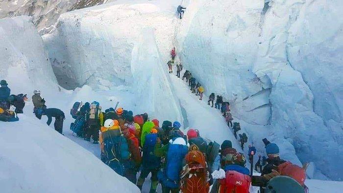 Пробки на Эвересте. И это не фотошоп) Эверест, Джомолунгма, Альпинизм, Восхождение