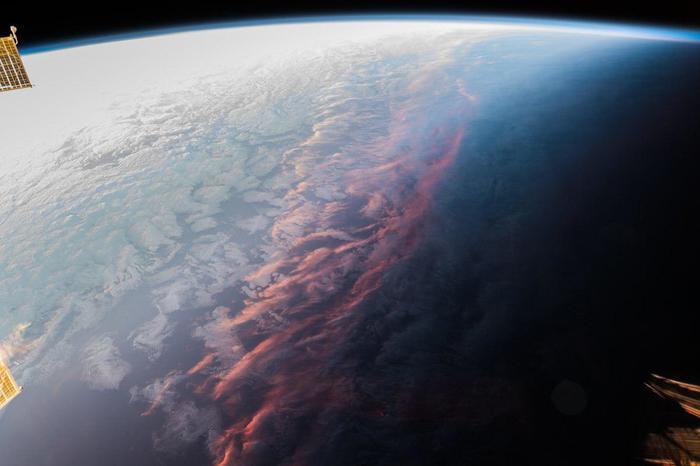 Когда последние лучи Солнца освещают планету Космос, Alexander Gerst, Закат, Снимок, Планета Земля