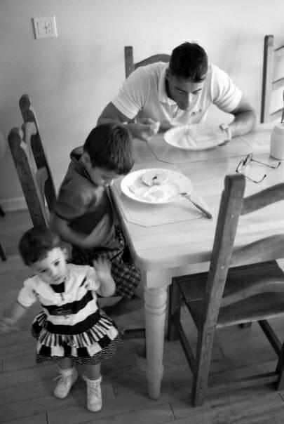 Жан-Клод Ван Дамм: неизвестный очкарик Жан-Клод Ван Дамм, Кровавый спорт, Кикбоксинг, Фотография, Ретро, Черно-Белое фото, Актеры