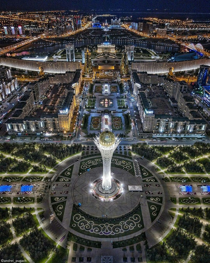 Ночная Астана, Казахстан