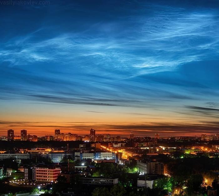 Серебристые облака над Екатеринбургом (09.06.2019) Урал, Екатеринбург, Фотография, Облака, Город, Небо