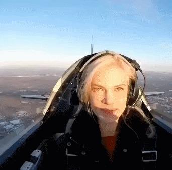 Завтрак в воздухе Полет, Самолет, Пончики, Гифка