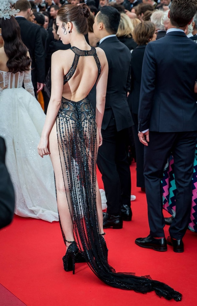 Вьетнамскую модель оштрафовали за вызывающее платье Откровенный наряд, Каннский фестиваль, Красивая девушка, Скандалы интриги расследования, Длиннопост