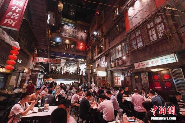 Ресторан в стиле 90-х годов, в городе Чанша.