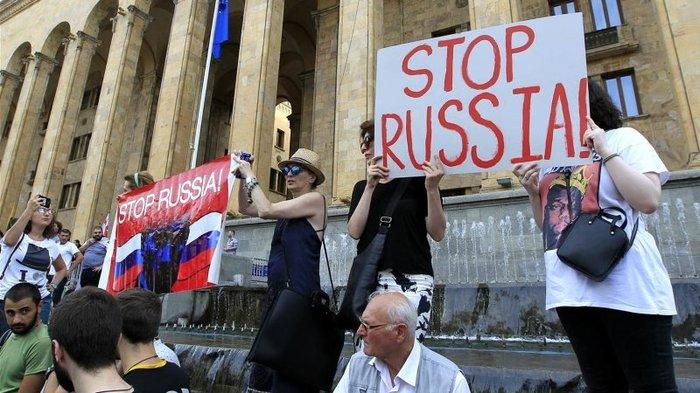 Реакция Тбилиси на приостановку турпотока из Россия, вКремле назвали условие возобновления полетов в Грузию Грузия, Россия, Политика, Южная Осетия, Абхазия, Туризм, Новости, Длиннопост