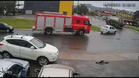 Быстрее пожарные еще не приезжали