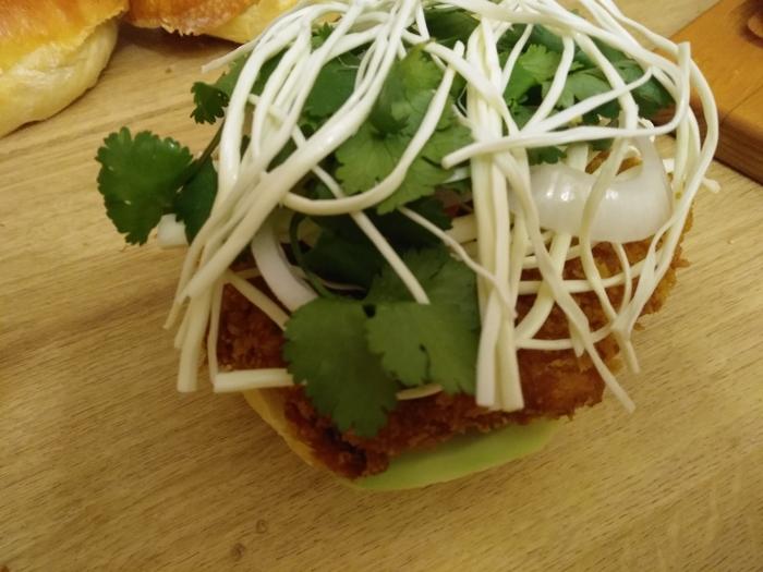 "Мексиканский сэндвич ""Cemita"" из Пуэблы Вкусно, Сытый, Говядина, Сэндвич, Мексиканская кухня, Авокадо, Булочки, Моцарелла, Длиннопост"