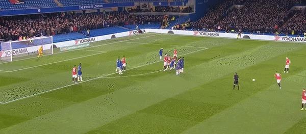 Безумный штрафной отМаркуса Рашфорда в ворота Челси