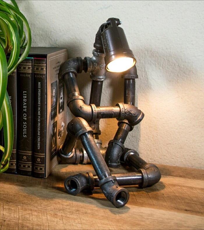 Вдумчивая лампа