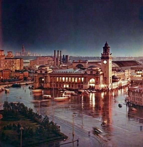 Киевский вокзал. После дождя. 1950-е годы