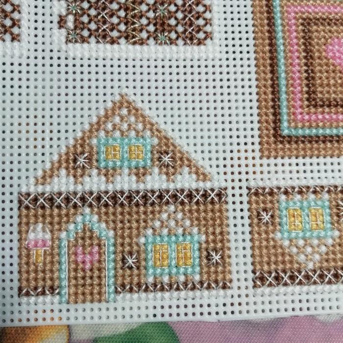 Сказочный домик. Вышивка на пластиковой канве Рукоделие с процессом, Вышивка крестом, Вышивка, Хобби, Дом, Длиннопост, Гифка
