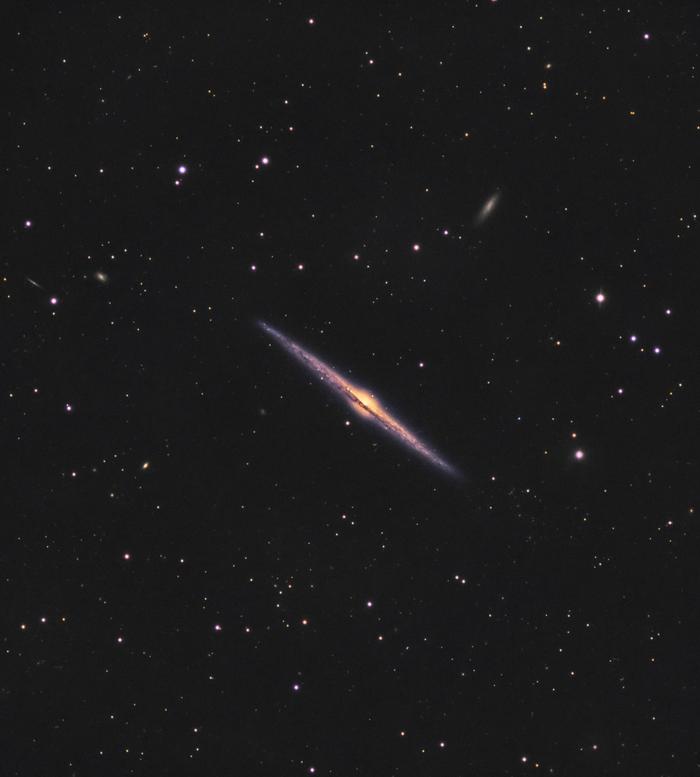 Галактика игла. 40000000 световых лет от нас