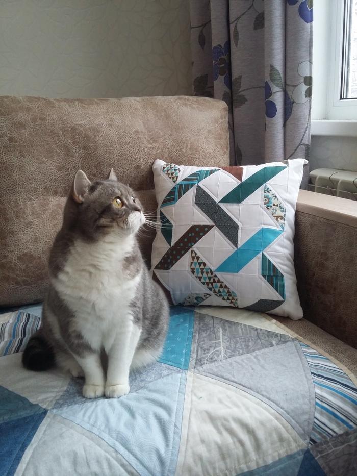 Лоскутная подушка Плетенка