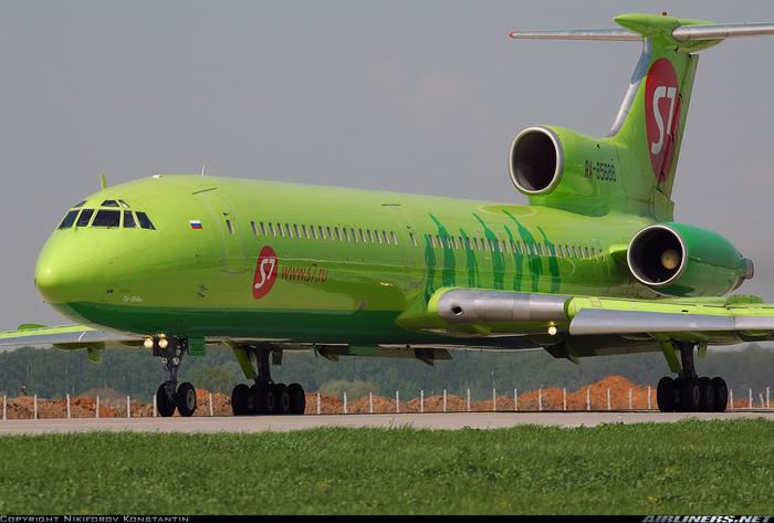 Почему перестали ставить двигатели на хвост самолета?
