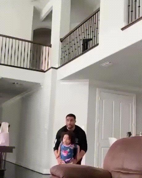 """Будь осторожен,папа"""