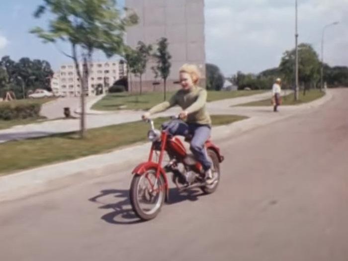 Какой мопед был у Сыроежкина? Мопед, Приключения электроника, Советское кино, Длиннопост
