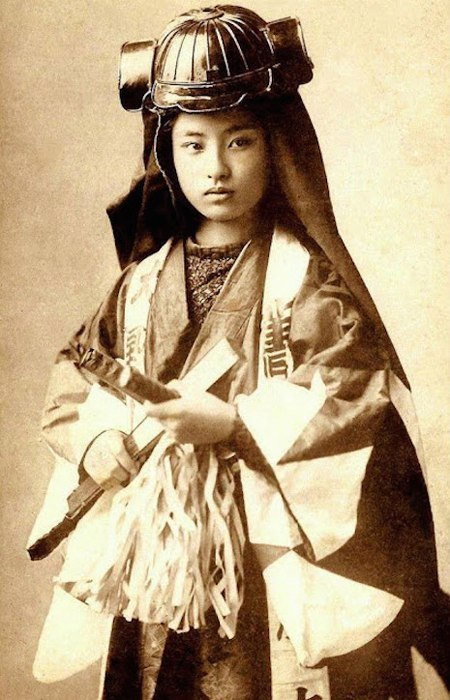 В японском языке нет такого слова как женщина-самурай