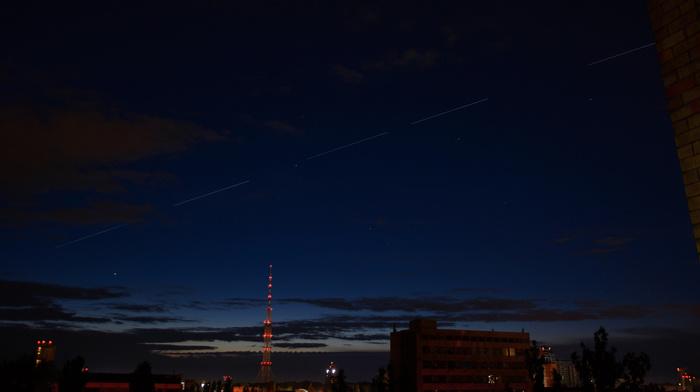 Cпутники Илона Маска над Киевом
