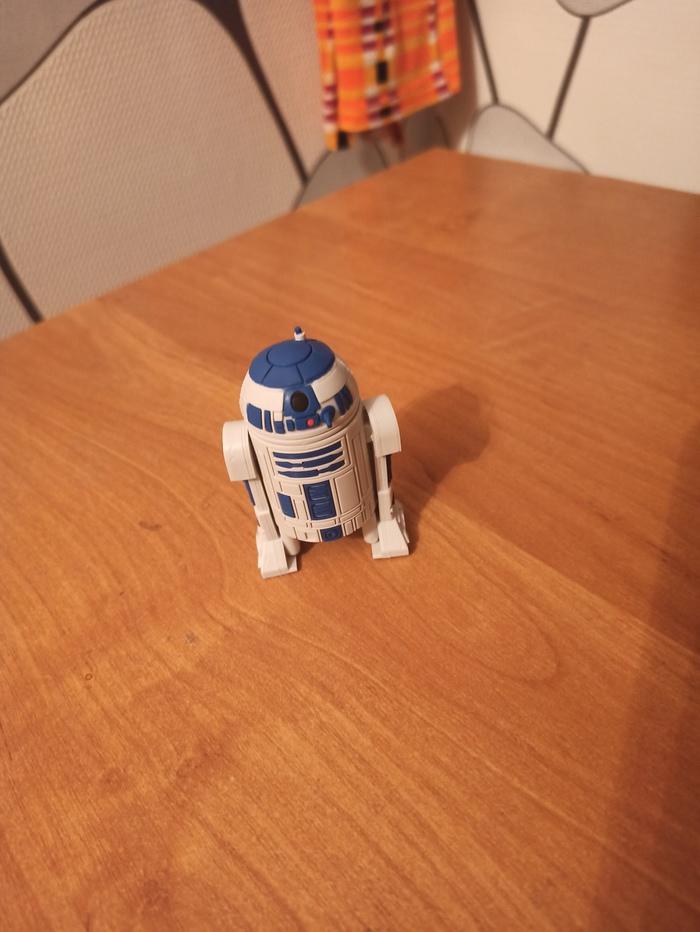 Купил я, значит, флешку в виде R2-D2...