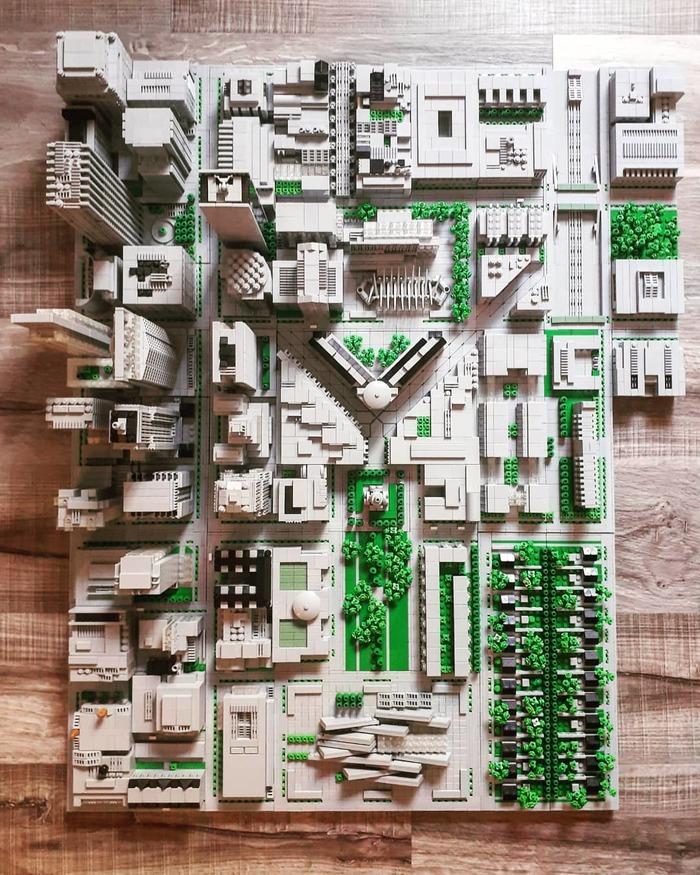 Крупный мегаполис из Lego. Вид сверху